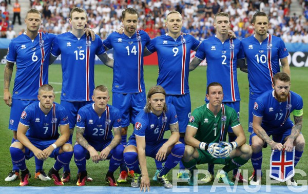 Стартовый состав сборной Исландии