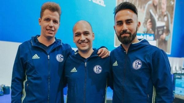 Игроки в FIFA защищают честь Шальке