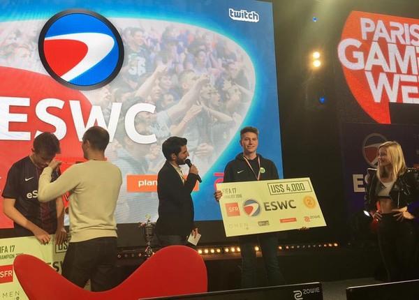 Представитель ПСЖ стал чемпионом мира по FIFA