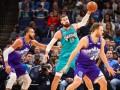 НБА: Майами разгромил Голден Стэйт, Мемфис уступил Юте