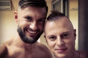 Украинский комментатор побрил голову в честь победы сборной Германии (фото)