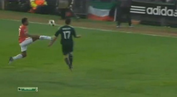Нани прямо ногой пошел на футболиста Реала