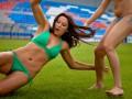 Фотогалерея: Ответ немкам. Футболистки Россиянки разделись перед объективами фотокамер