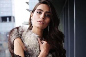 Озил объявил о помолвке с обладательницей титула Мисс Турция