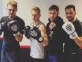 Зинченко примерил боксерские перчатки вместе с бойцом MMA