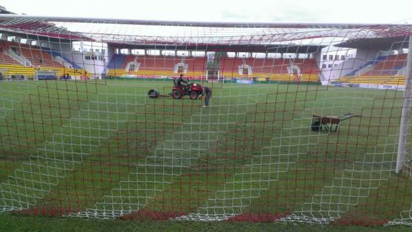В Актобе усиленно готовят стадион к матчу
