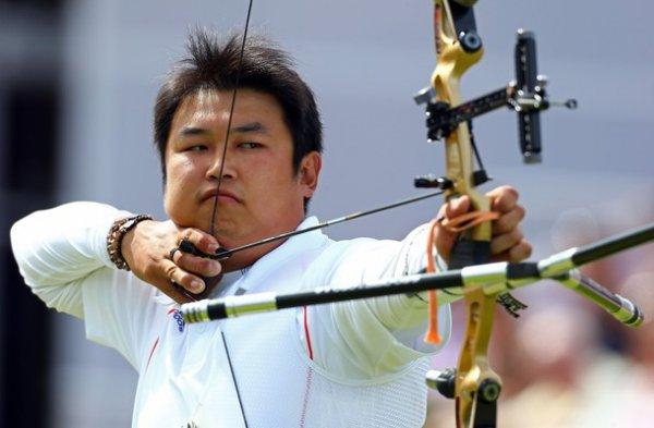 Стрельба из лука. Обидчик украинца берет золото - Соревнования - СПОРТ