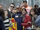 Алонсо в центре внимания - испанец прошел самый быстрый круг