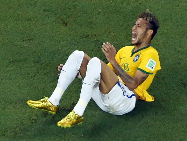 Неймар получил тяжелую травму позвоночника в матче с Колумбией