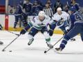 НХЛ: Торонто разгромил Ванкувер, Эдмонтон уступил Калгари