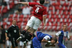 2006-й: инцидент Руни - Пепе в матче МЮ - Порту