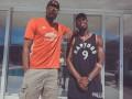 Игрок Манчестер Юнайтед выторговал футболку у звезды НБА