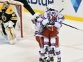НХЛ: Рейнджерс обыграли Бостон, Тампа и Колорадо забросили 11 шайб на двоих
