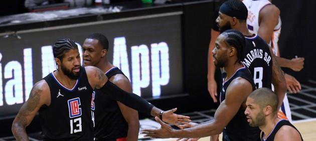 НБА: Даллас вырвал победу у Милуоки, Клипперс обыграли Финикс