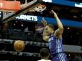 Слэм-данк через Леня - среди лучших моментов дня в НБА