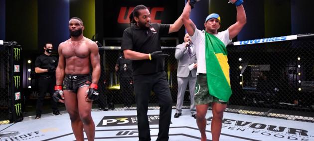 Бернс одержал разгромную победу над Вудли в главном бою турнира UFC On ESPN 9