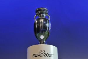 УЕФА не станет менять название Евро-2020