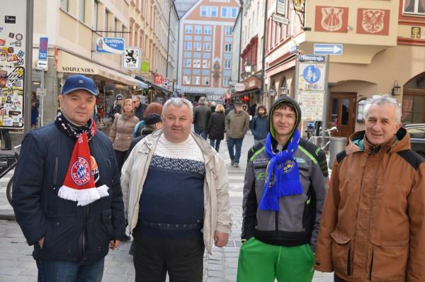Александр второй на фото слева