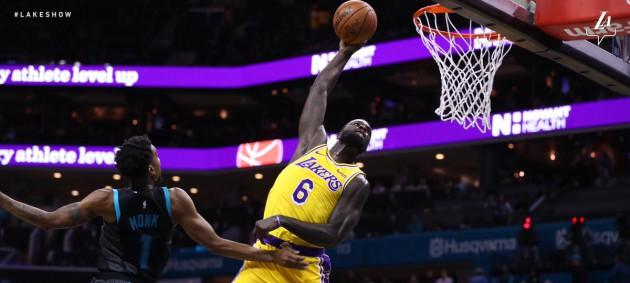 НБА: Лейкерс одержал уверенную победу над Шарлотт, Мемфис уступил Хьюстону