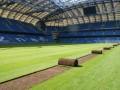 Смена ковра. На стадионе в Познани перестилают газон