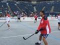 Джокович сразился в хоккей на асфальте с игроками НХЛ