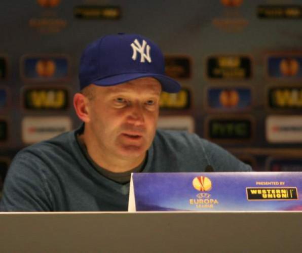 Роман Григорчук пришел на пресс-конференцию в кепке