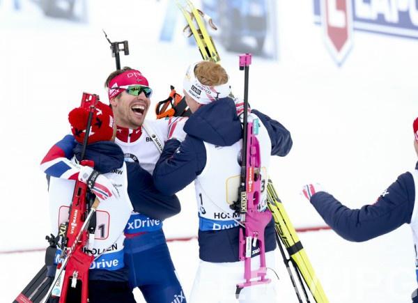 Сборная Норвегии победила в мужской эстафетной гонке