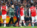 Защитник Арсенала пропустит более полугода из-за травмы