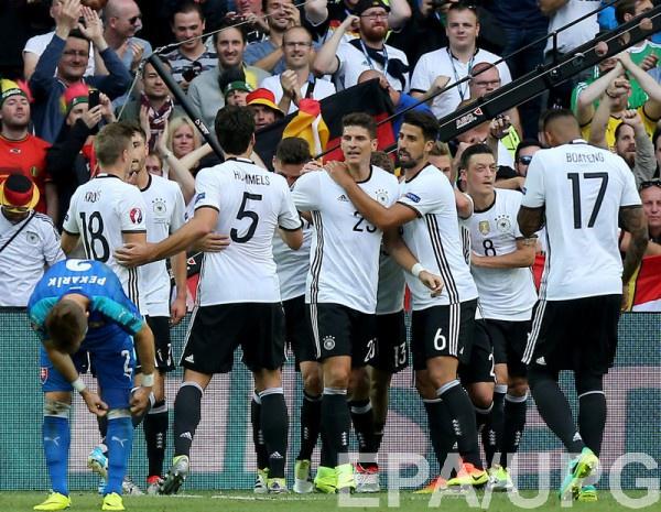Германия - Италия: Стартовые составы команд