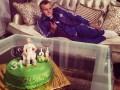 Гусеву на День рождения подарили огромный торт