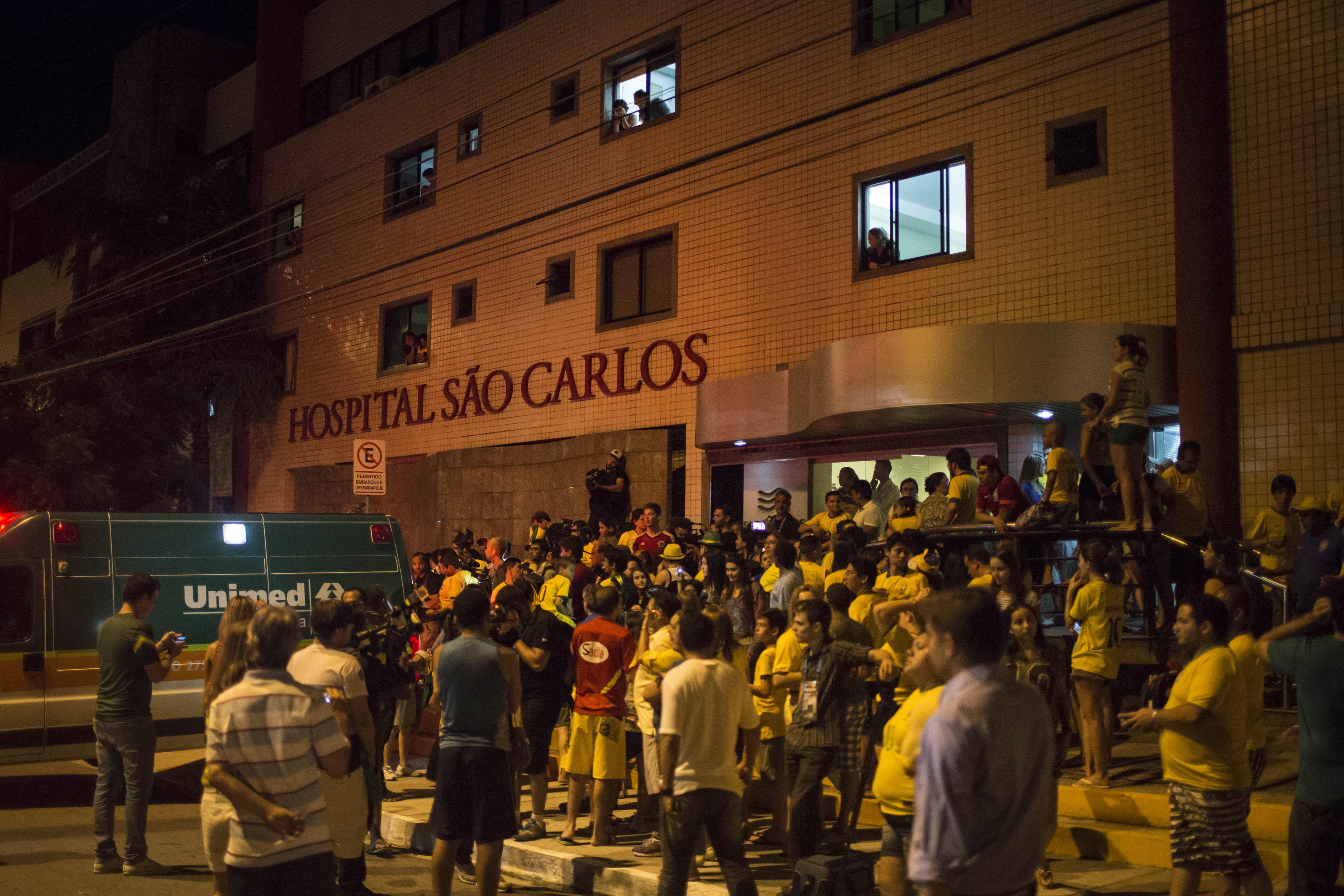 Бразильские болельщики приехали поддержать Неймара