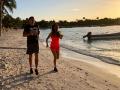 Усик экстремально развлекся в Мексике с женой