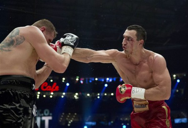Владимир Кличко нанес больше ударов, чем Вах