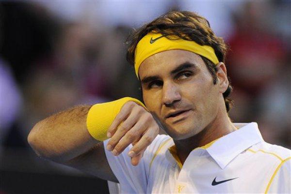 Федерер проиграл все три сета