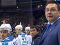 МАТиватор: Экс-тренер Донбасса бросил бутылку в хоккеиста и обматерил арбитров