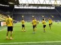 Боруссия Дортмунд уничтожила Шальке в первом матче после возвращения