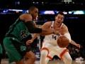 НБА: Нью-Йорк уступил Бостону, Лейкерс обыграли Мемфис