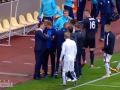 Заря - Днепр: Видео разборки футболистов и удар Зозулей арбитра