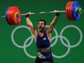 Олимпийский чемпион продаст медаль, чтобы помочь жертвам землетрясения