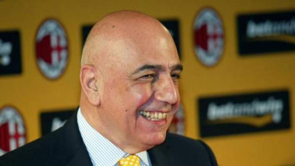 Галлиани остается в Милане