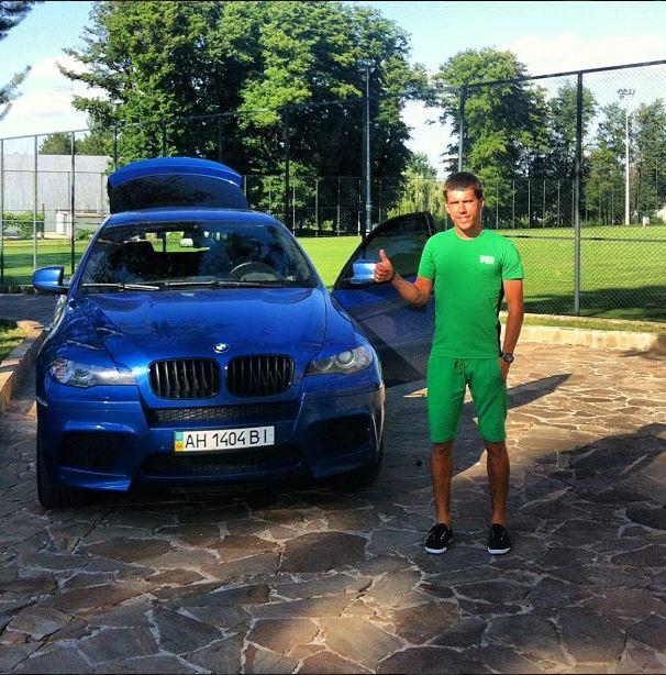 Кравченко и его авто на базе Днепра