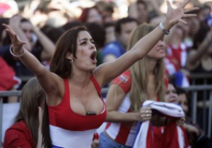 Известная фанатка пообещала публичный стриптиз, если сборная Парагвая выиграет Кубок Америки