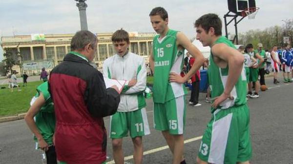 Сергей Жук - самый высокий в центре