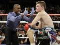 Отец напал на известного боксера из-за возвращения на ринг