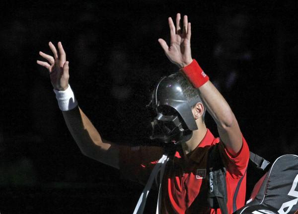 Новак Джокович явился на матч в маске Дарта Вейдера