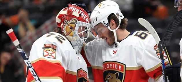 НХЛ: Рейнджерс разгромил Чикаго, Анахайм уступил Флориде