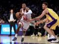 НБА: Лейкерс вырвал победу у Чикаго