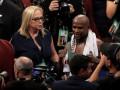 Мейвезер: Вне ринга Макгрегор должен вести как джентельмен