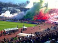 Впечатляющие огненные шоу устроили футбольные фанаты Болгарии и Сербии