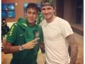 Футболисты сборной Бразилии устроили фотосессию с Дэвидом Бекхэмом перед матчем NBA